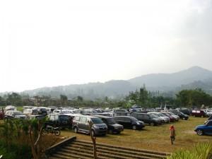 area-parkir-mobil-taman-wisata-matahari