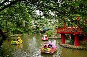 paddle-boat-taman-wisata-matahari