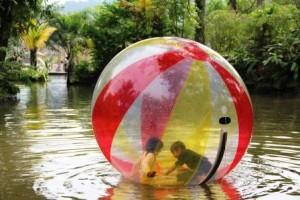 watter ball-taman-wisata-matahari