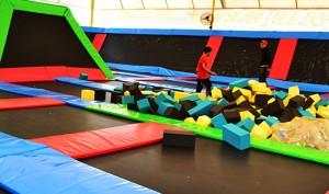 trampolin-wahana-permainan-taman-wisata-matahari